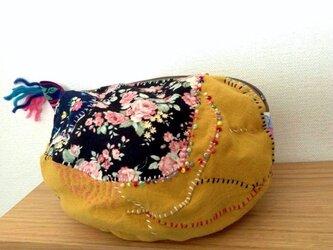 Flower Garden - ちょっぴりいびつなファスナーポーチ /マスタード色/お化粧ポーチ/の画像