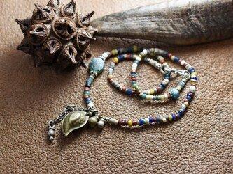 出土ビーズとアフガンメタルのネックレスの画像