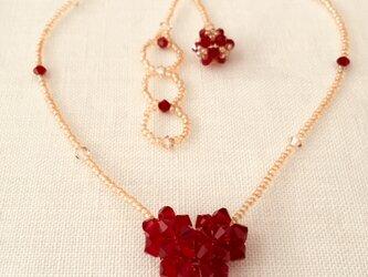 【スワロフスキー・クリスタル】真っ赤なハートのネックレスの画像