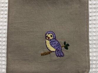 コットンの刺繍ハンカチ☆フクロウの画像