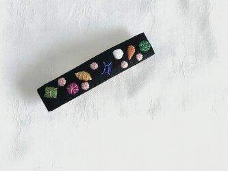 宝石刺繍のバレッタ(くろ)の画像