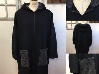 再販×4 男女兼用❤️バイカラーのウール素材フードパーカーコート(男女フリー メンズL、レディースLL)の画像