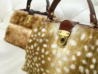 本牛革とバンビ柄ファーバッグの画像
