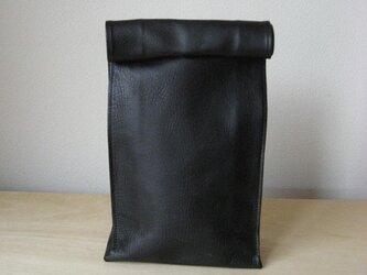 """ブラックL:紙袋のような革袋""""Sack""""(オイルヌメ)の画像"""