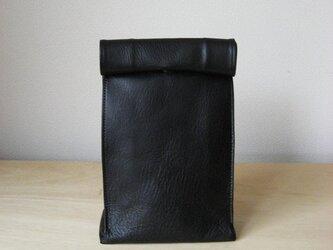 """ブラックS:紙袋のような革袋""""Sack""""(オイルヌメ)の画像"""