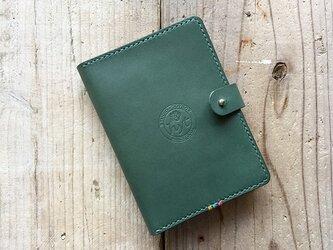 牛革 パスポートケース グリーン ギフト トラベル革小物の画像
