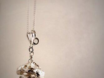 杉の実 ネックレスの画像