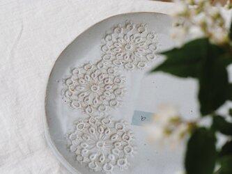 Tatting plate 3 flowerの画像