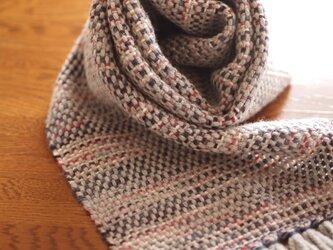 メリノウールの手織りマフラー(グレー×レッド)の画像