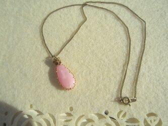 ピンクオパールのネックレスの画像