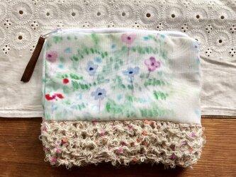 アネモネの花畑ともこもこ毛糸のポーチの画像