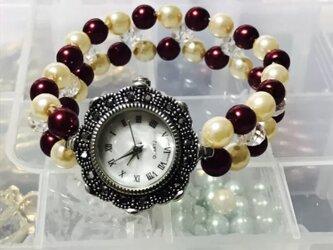 ブレスレット風腕時計の画像