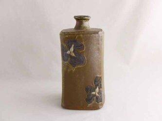 エンレイソウ文イッチン角瓶(地釉)の画像