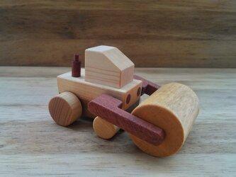 木のおもちゃ ロードローラー車の画像