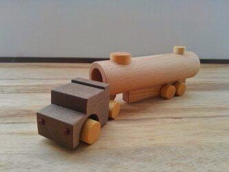 木のおもちゃ タンクローリーの画像