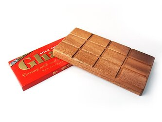 木で作った 板チョコ専用木製ケースカバーの画像