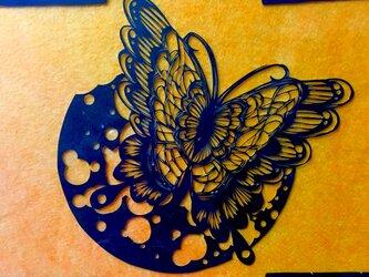 切り絵原画・レースの蝶の画像