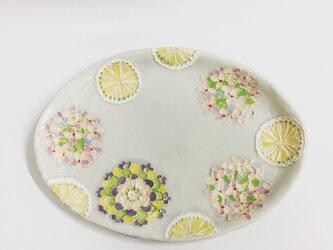 受注制作します。クリスマスに!花紋とモノグラムパステルカラー楕円皿の画像