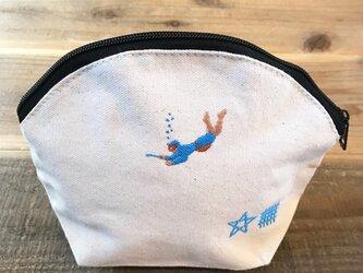 海女さん 刺繍 キャンバスシェルポーチの画像