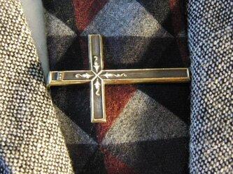 真鍮/ブラス製クロス型ネクタイピン(タイバー)1個 ネクタイ・ポケットの飾りにの画像