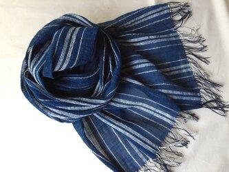 藍染めの手織りストールの画像