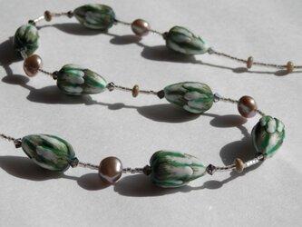 グリーンつぼみのネックレスの画像