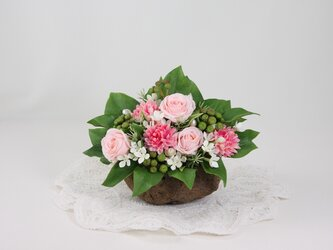 あたたかみのあるピンクのバラを軽石に入れて♪~の画像