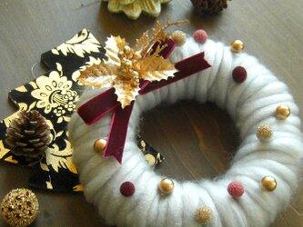 ふわふわポコポコシックかわいいクリスマスリース(グレー)の画像