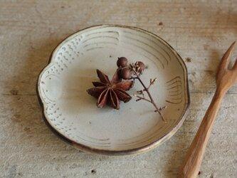 豆皿 ふっくら雀 やさしい雰囲気の白マット系の画像