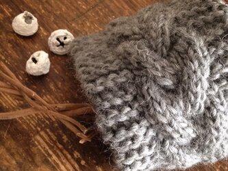 【s様オーダー】ちょっぴり幅広☆チャコールグレーなわ編みのヘアバンドの画像