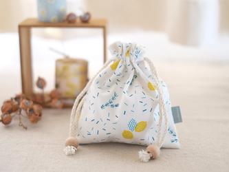 手刷り生地の巾着「ローズマリーとレモン」の画像