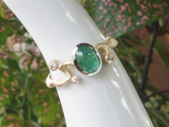 エメラルドカボッション指輪の画像