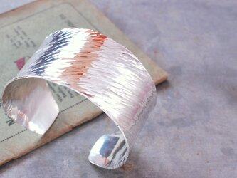 鍛金槌目シルバーバングルの画像