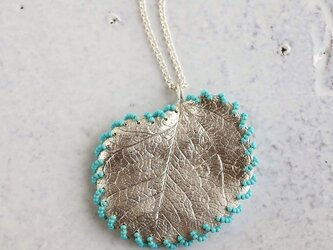 Eucalyptus stitched necklace {P080SV}の画像