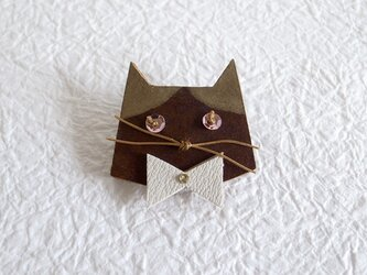 アンテナひげの猫ブローチ(GOLD)の画像