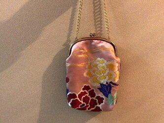 がまぐち・くし形 チェーンつき 桃色繻子帯地 花柄の画像