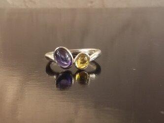 二色のリング~アイオライトとトルマリンの画像