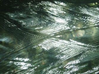 流れ-9 PH-A4-0127   写真 渓流 水 清流 流れ 富士山 伏流水の画像