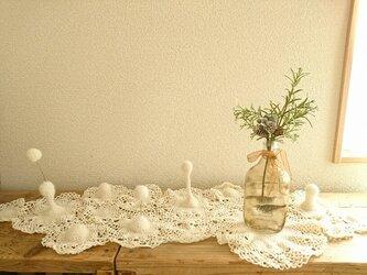 ふわふわウールの立体ドイリー〈ゆきぼうし〉の画像