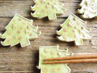 クリスマスツリーの箸置きの画像