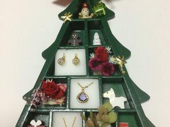 ウッドクリスマスツリーのプレゼントボックスの画像