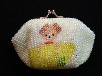 ビーズ編みがま口財布 子犬柄の画像