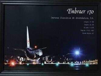 7u2■A2サイズ、空港での飛行機写真・夜景■オシャレなポスターの画像