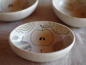 リンゴ 楕円ボールの画像