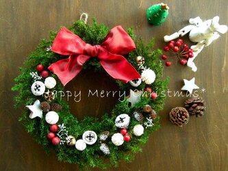 再販☆ホワイト&レッドのフォレストグリーンのクリスマスリース~ミドルの画像