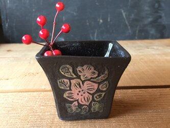 四角いうつわ -kakiotoshi 花と窓絵の画像