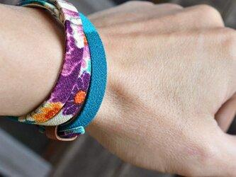 和風ブレスレット 花 Teal  レザー 3連 Triple braceletの画像