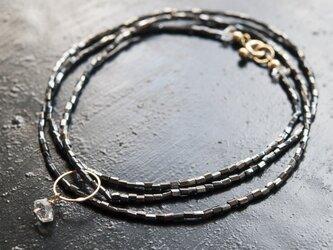 フランスヴィンテージビーズと水晶×リングのシンプルで落ち着いたネックレス(TJ10929)の画像
