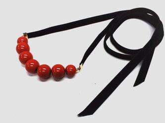 運命の赤い糸7ボール漆塗リボンネックレスの画像
