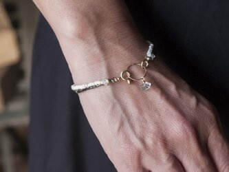 フランスヴィンテージブラックビーズ&淡水パールと水晶×リングのシンプルで上品な2連ブレスレット(TJ10934)の画像